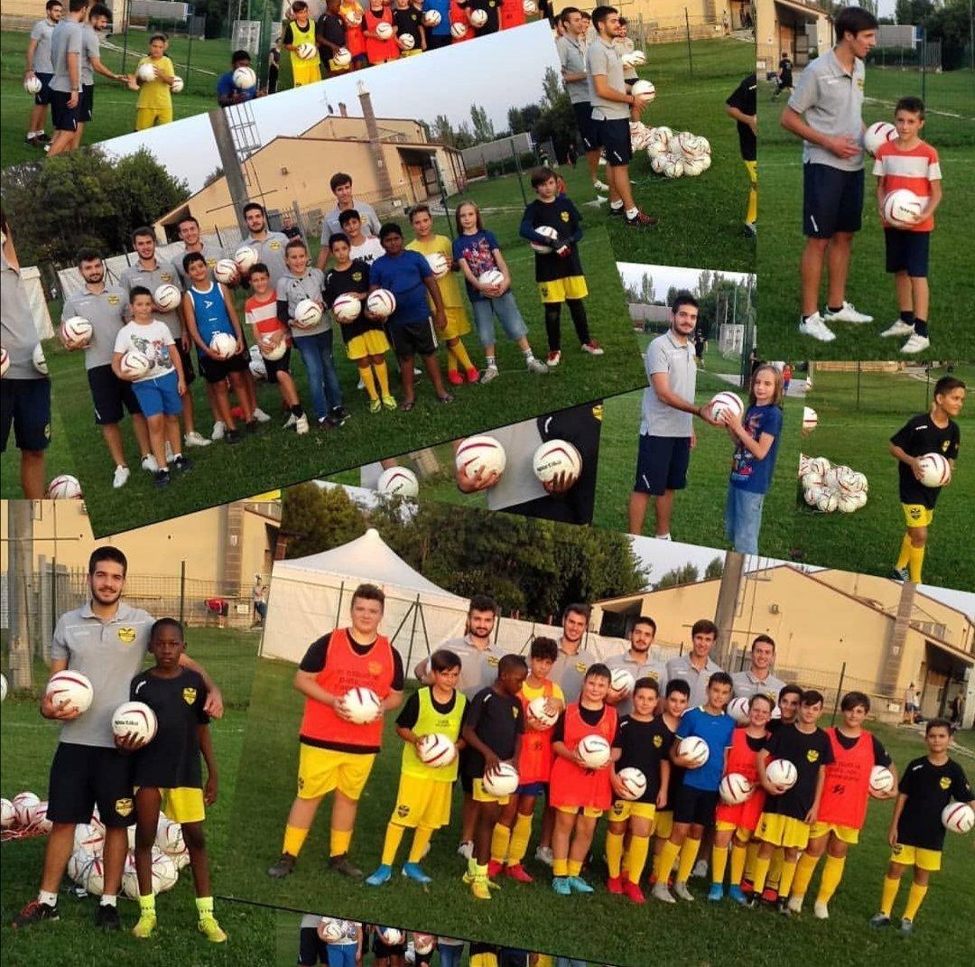 Scuola calcio Santa Lucia golosine